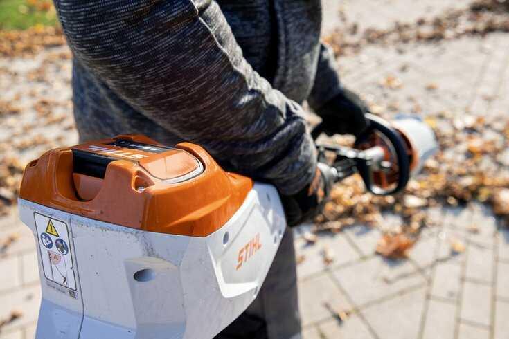 STIHL KMA 135 KombiTool with AP battery