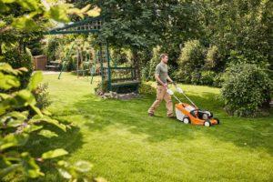 STIHL RM 443 T cordless lawn mower