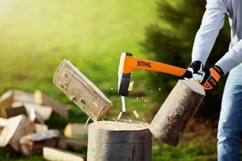 Store logs for the winter by chopping them with a STIHL cleaving axe
