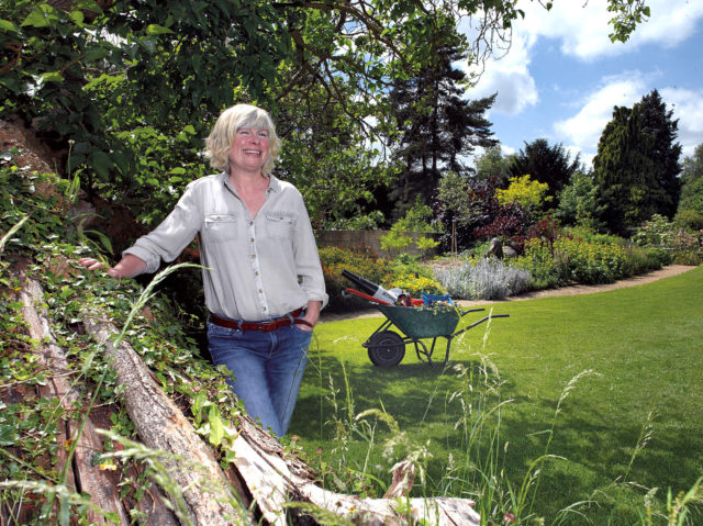 Spring Garden Guide with Jane Moore