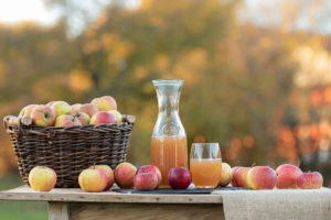 Make Apple juice with leftover apple and pears