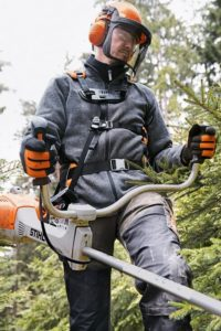 STIHL bushcutter with brushcutter harness