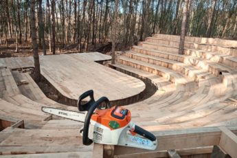 STIHL MSA 220 C-B cordless chainsaw helped build a theatre