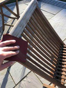 sand slats in wooden garden chairs