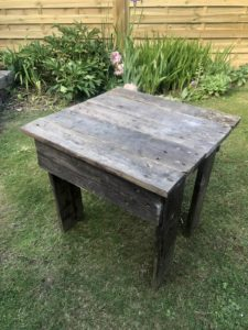 small pallet table