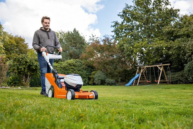 New Vario Drive Cordless Mowers For The Perfect Cut